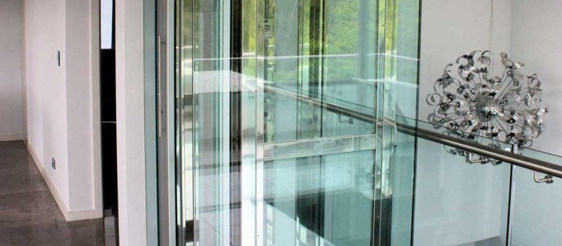 آسانسور شیشه ای